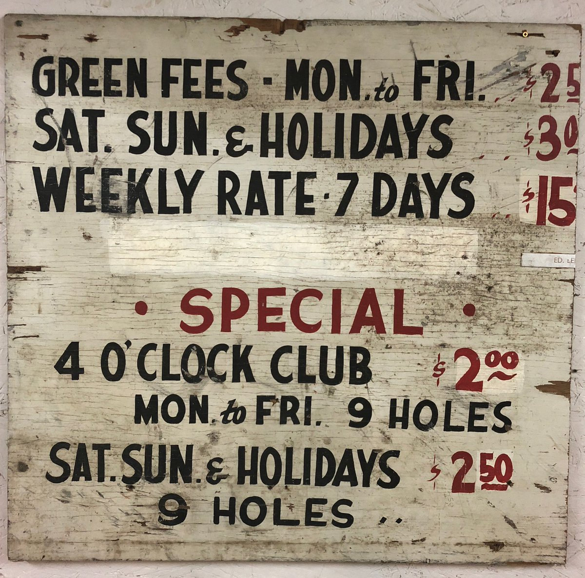 Another cool old sign we recently found 😎   This is from sometime around the late 60s or early 70s. $2 green fees! https://t.co/0JpHSl3Qir