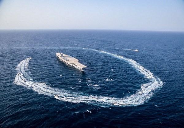 Потешный авианосец снова в море