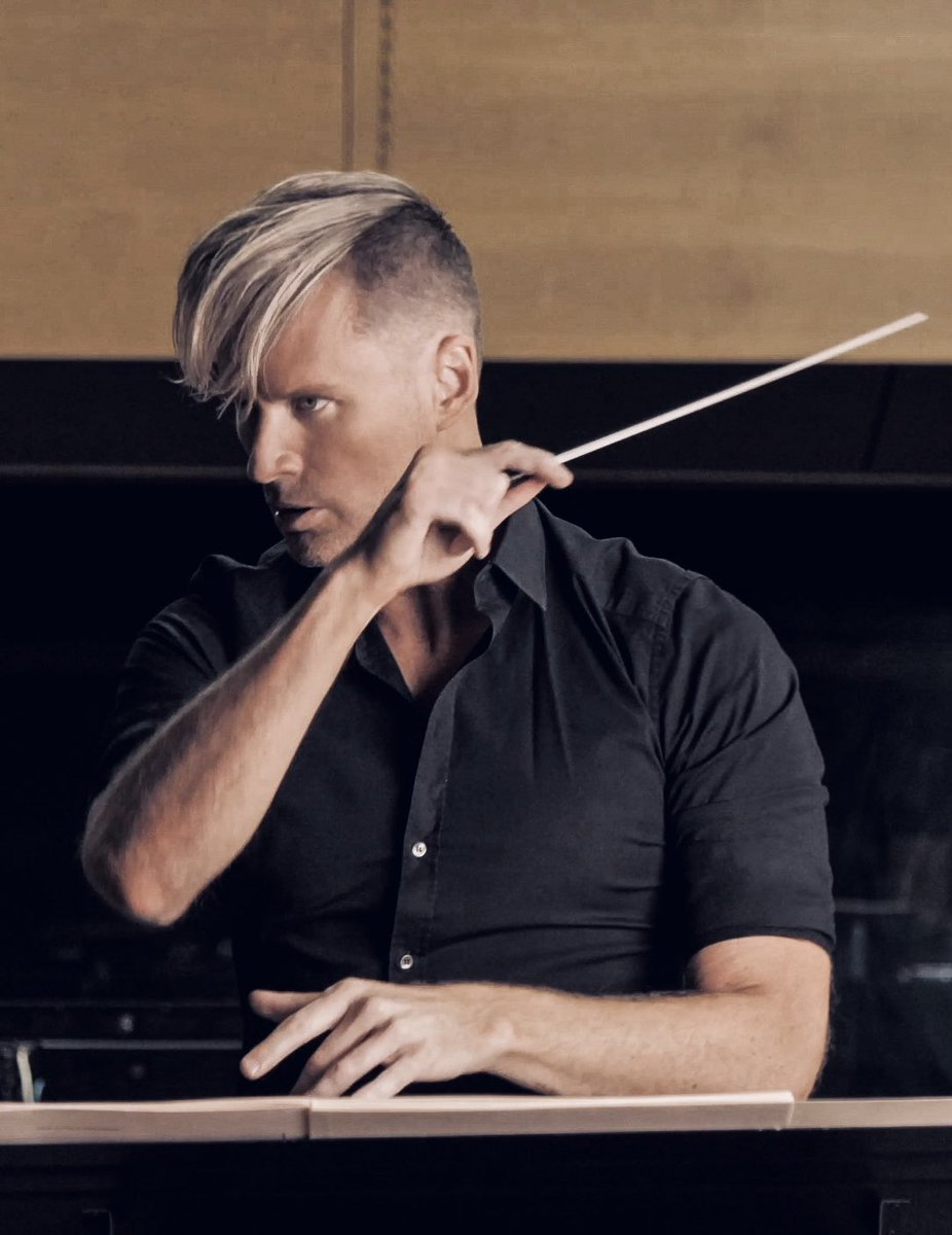 Wow it felt great to conduct once again even under these unique circumstances (conducted Vienna from LA) . One day hopefully soon we will all be able to join together and celebrate live music to its fullest! #livemusic #conductor #filmscore pic.twitter.com/EHY2oFtJ70