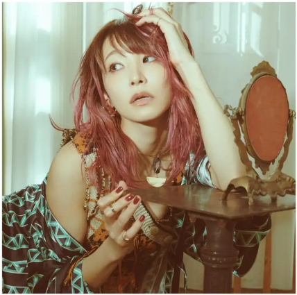 "LiSA's ""Gurenge"" Single Tops 1 Million Downloads on Oricon's digital single ranking chart"