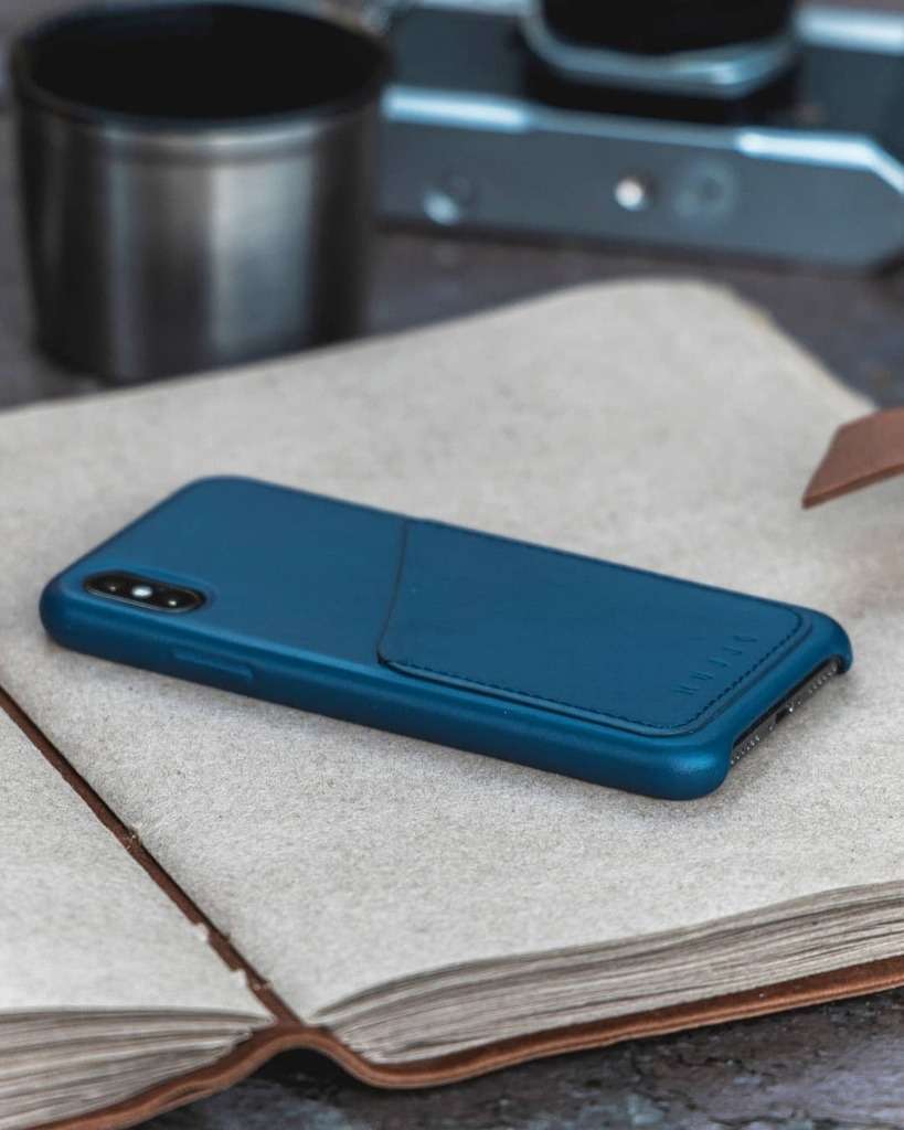 A cool classic  the wallet case in Monaco blue is perfect for protecting your phone - pictured here covering the iPhone Xs ⁠ ⁠ Photo by @thejasonrimando⁠ ⁠ #mujjo #dutchdesign #apple #iphonecase #iphonexs #iphone #leathercase #techaccessories #t… https://instagr.am/p/CDOBUkUhl-7/ pic.twitter.com/Ndjh4ifboY