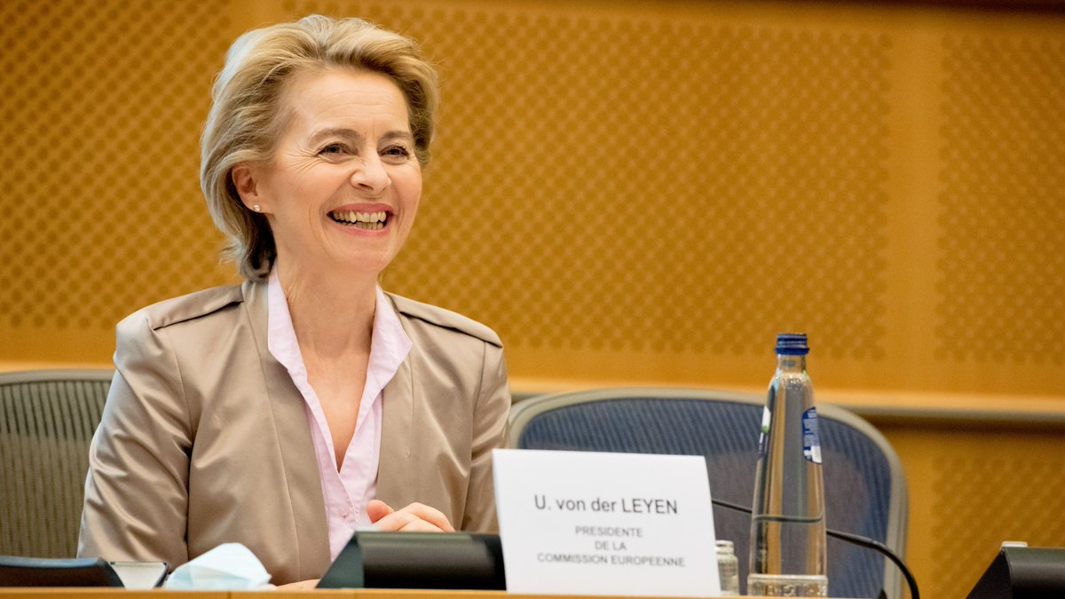 Nowhere else in the world could 27 different countries even discuss financing their recovery and future together. Europe has shown that it is up the task. #NextGenerationEU Op-ed by @vonderleyen: EN: europa.eu/!WN84Vp FR: europa.eu/!PF97qp DE: europa.eu/!xH79xR