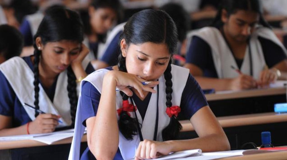 50,000 smartphones to be distributed to Class 11-12 girls for online classes in Punjab