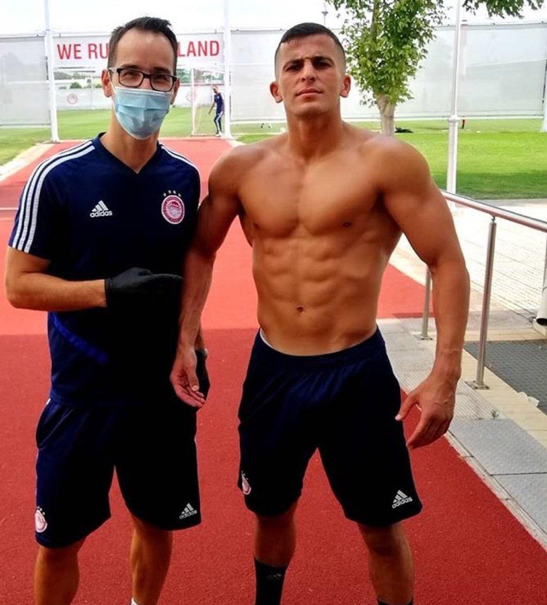 📸 Galatasaray'ın yeni sağ beki olması beklenen Omar Elabdellaoui'nin vücudu. https://t.co/lEwbXsaqIl