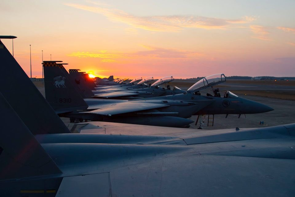 We're loving the blast to the past from the @AusAirForce's #ExPitchBlackOnline series! Here's a shot from the 2018 iteration of the exercise featuring our F-15SGs lined up in the sunset. 😍✨  Missing this beautiful sunset view and we can't wait to go back again! https://t.co/S3SPEmEIcP