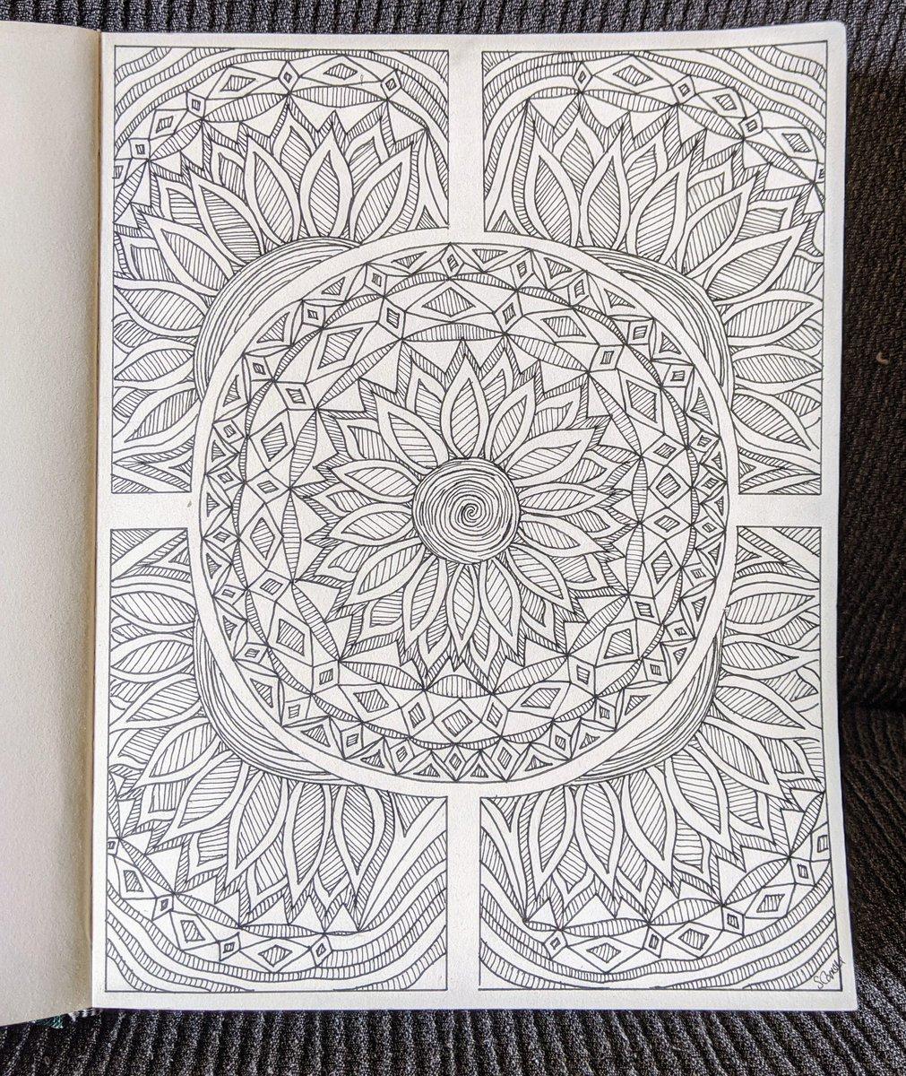 Finally Finished it. :) #pen #penart #patternpic.twitter.com/dA2eWtyDzd