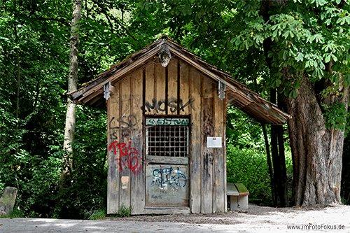 small wooden hut #photography #urban pic.twitter.com/IBLZN9iZF4
