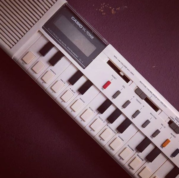 This bad boy is on my next track. Its also a calculator #casio #casiovintage #calculatorpic.twitter.com/iMy4naOMjn