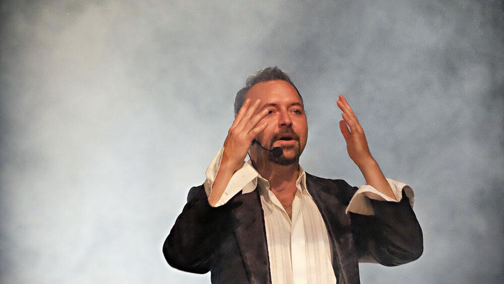 Teatro sotto le stelle, Fabrizio Paladin va in sce...