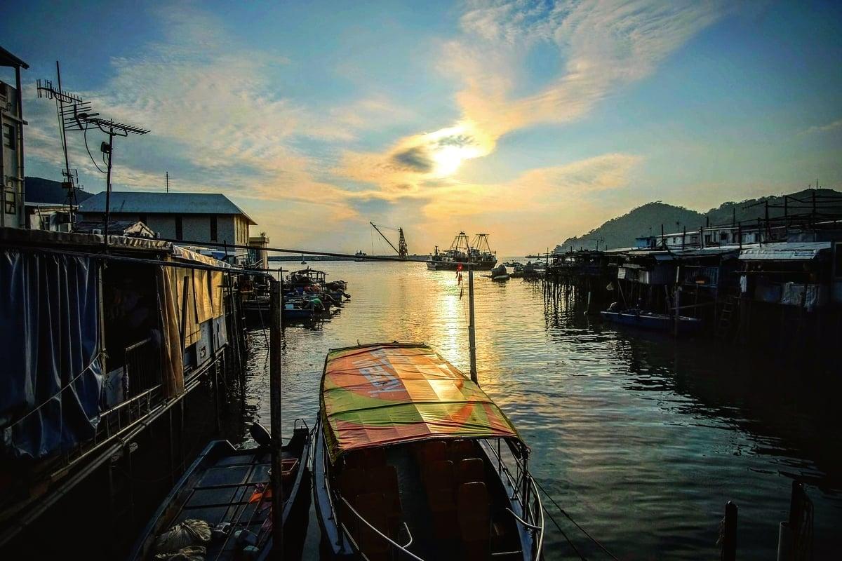 大澳 Tai O #hongkonggraffiti #hongkongtravel #hongkong#hongkongtrip #hongkong #taio #sunset #sunsetlovers #sunset_pics #fujifilmxseries #fujifilmxt10 #ファインダー越しのわたしの世界 #写真好きな人と繋がりたい #香港旅行 #香港 #海外旅行 #旅行 #大澳 #今日もx日和 #富士フイルムpic.twitter.com/jNzXmJJEm4