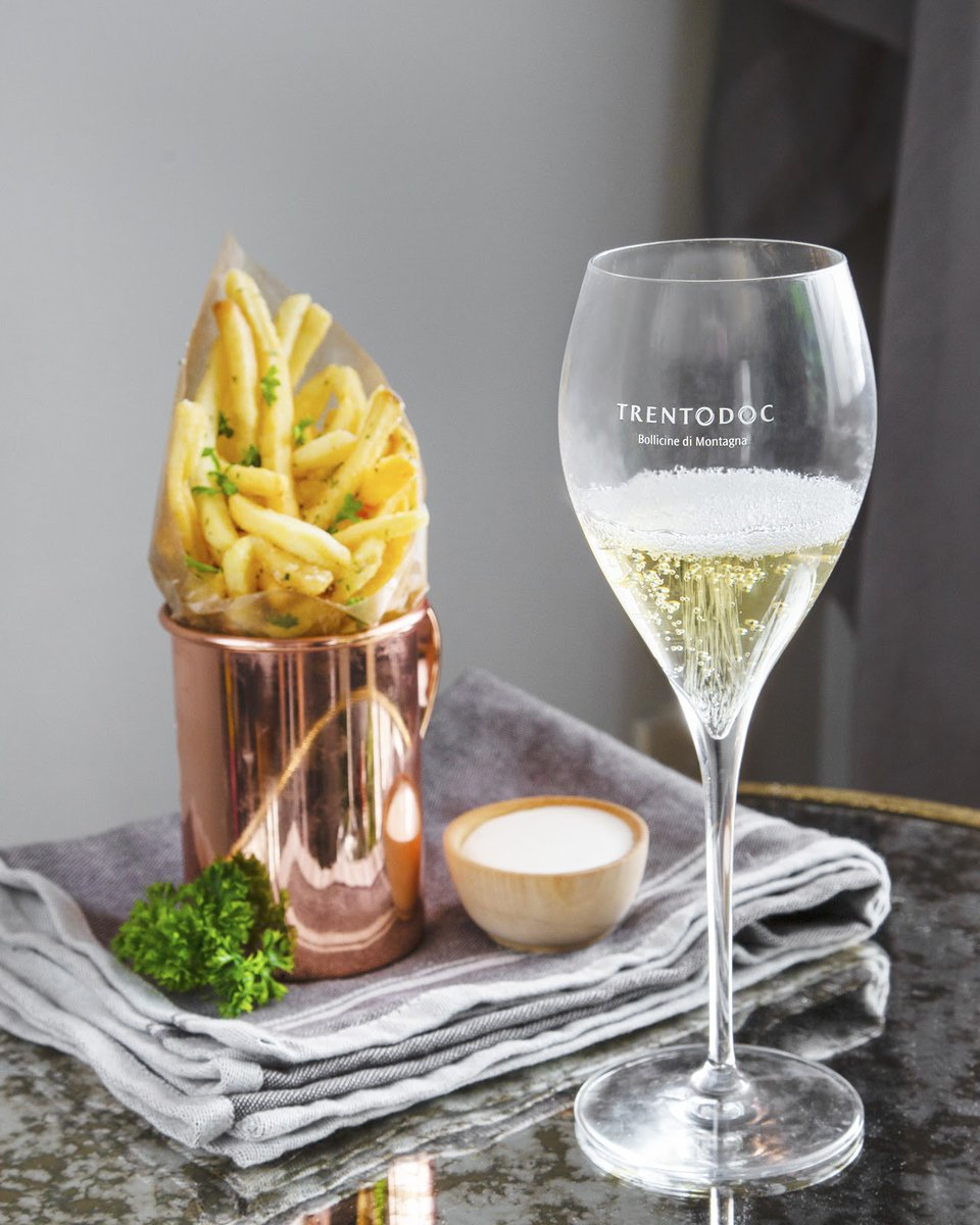 Sometimes simple really is better. Plan your next meal with a side of crunchy, salty french fries and a glass of Trentodoc for an absolutely perfect pairing. https://t.co/Go7YMRf8OE
