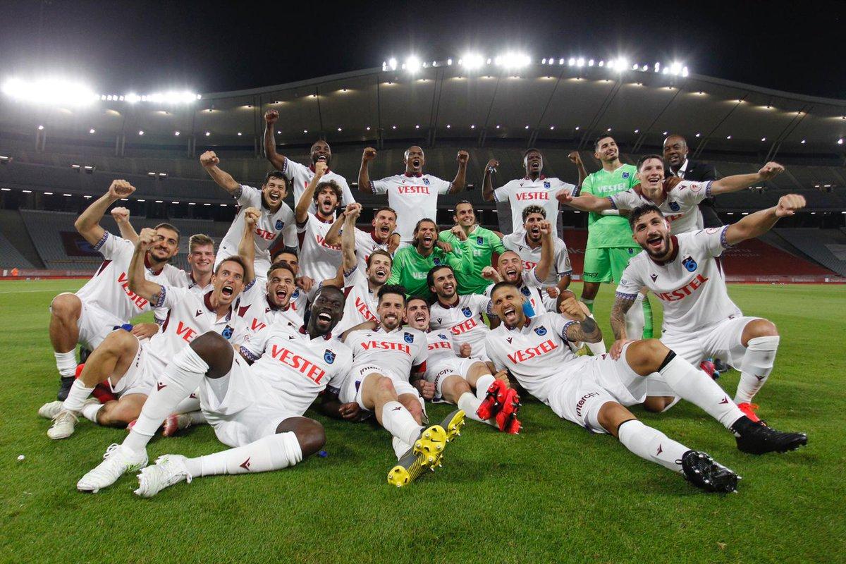 2019-2020 Ziraat Türkiye Kupası şampiyonu olan #Trabzonspor'u gönülden kutlar, başarılarının devamını dilerim. Tebrikler Trabzonspor! https://t.co/H6bFgudUde