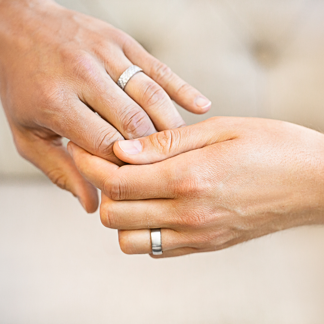 A variety of finishes for a variety of love stories. Make it your own in width and finish with a comfort fit for your forever promise https://bit.ly/2EVCAsf  #conflictfree #ethicaljewelry #weddingrings #whitegoldbands #whitegold #loveislove #lgbtqia #groomandgroom #pridepic.twitter.com/vtt558hvJD