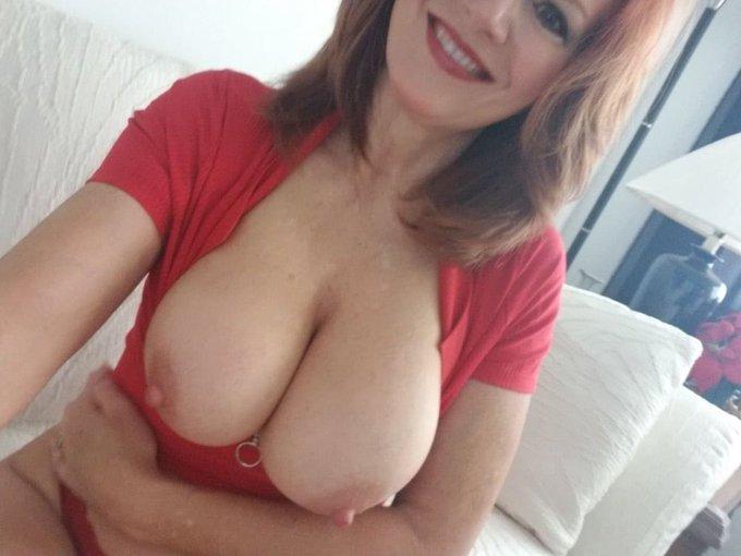 4 pic. #AndiJames #selfies #Redhead https://t.co/BWFuKxF1OX