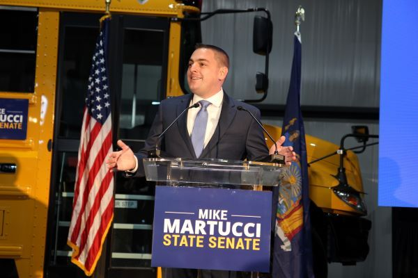 N.Y. Pupil Transportation Veteran Calls for More School Funding Amid COVID: Mike Martucci, who is running for the state Senate, says state funds for political campaigns should be used to help schools pay for COVID-19-related health and safety protocols… https://t.co/zxk8vkaE3C https://t.co/VsmZiePuhS