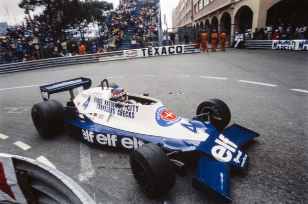 on the way #oldschoolf1 @f1 #f1 #depailler #depaillerweek @MotoriNoLimits https://t.co/8Bnm2eIOnm