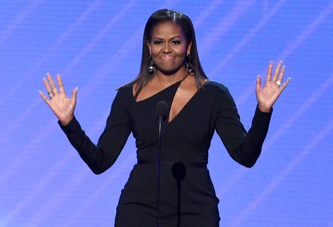 Michelle Obama estrena podcast en #Spotify y este fue su primer invitado → https://t.co/tq84uJqnRg https://t.co/2UTLydE0wX