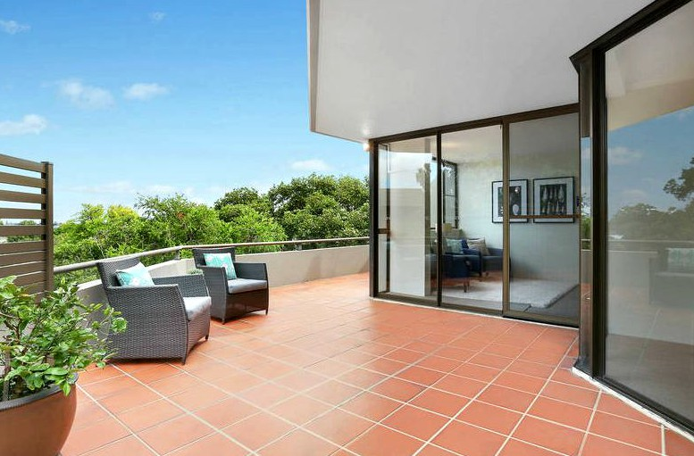 For Rent in 8/102 Bay Road, Waverton, NSW 2060 $890  /week  Expansive Apartment - Must to See Click link for more details: https://bit.ly/3gfrM7B  #manly #manlyaustralia #manlyrealty #manlyproperty #manlyrealestatepic.twitter.com/7edpr1ddwK