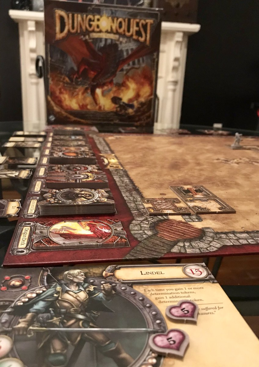 A little late night DungeonQuest-ing with the 2014 revised edition. I've been on a #DungeonQuest kick since scoring an original a few weeks back. Both incarnations are #beautiful and deadly! #GamesWorkshop #fantasyflightgames https://t.co/55sQ02qG3w