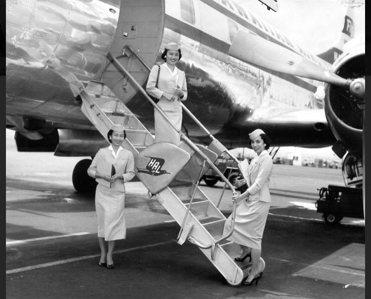 The jet age will always be remembered in aviation as an era of glamour in flying. Perfection for aircrew was a high priority and non negotiable. #jetage #glamor #flying #goldenera #class #perfection #travel #flightattendant #Aircraft https://t.co/VUqfOEmvJG