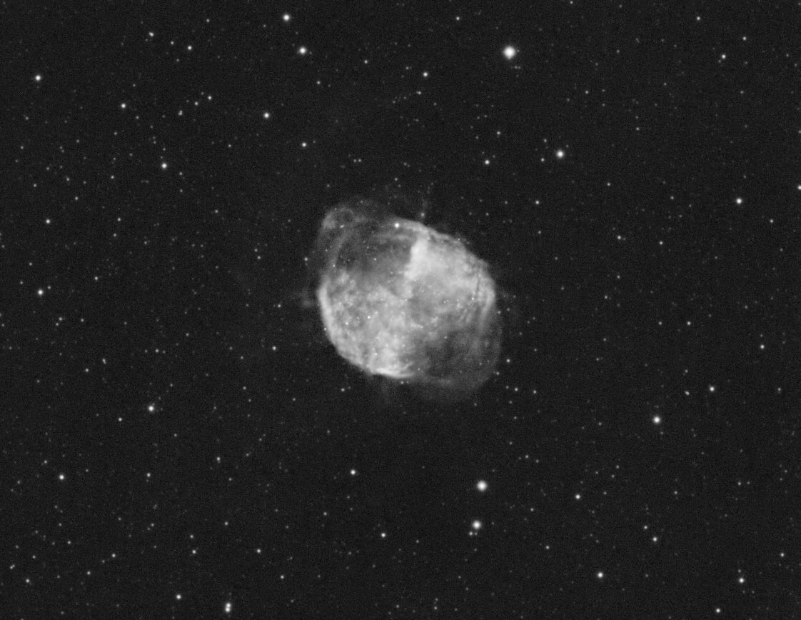 The Dumbbell Nebula in Ha. Probably this is my last DSO image with planetary camera ASI120mm... Subs: 286x40sec, Gain 30 Gear: SkyWatcher ED80 (510mm)+ZWO ASI120mm #dumbbell #Nebula #astro #astronomy #astrophoto #Astrophotography #zwoasi #skywatcher #Slovakia #zilina #deepspace https://t.co/WTCYlaJcgW