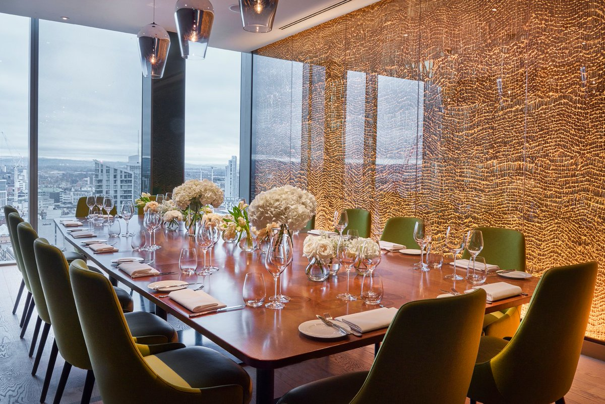 Our tenant @20StoriesMCR has an incredible private dining room with views overlooking the city and beyond! If you're interested in hiring this space and want some more information on what is has to offer please contact Faith on faithd@danddlondon.com ❤️ https://t.co/FsFPumOE8e