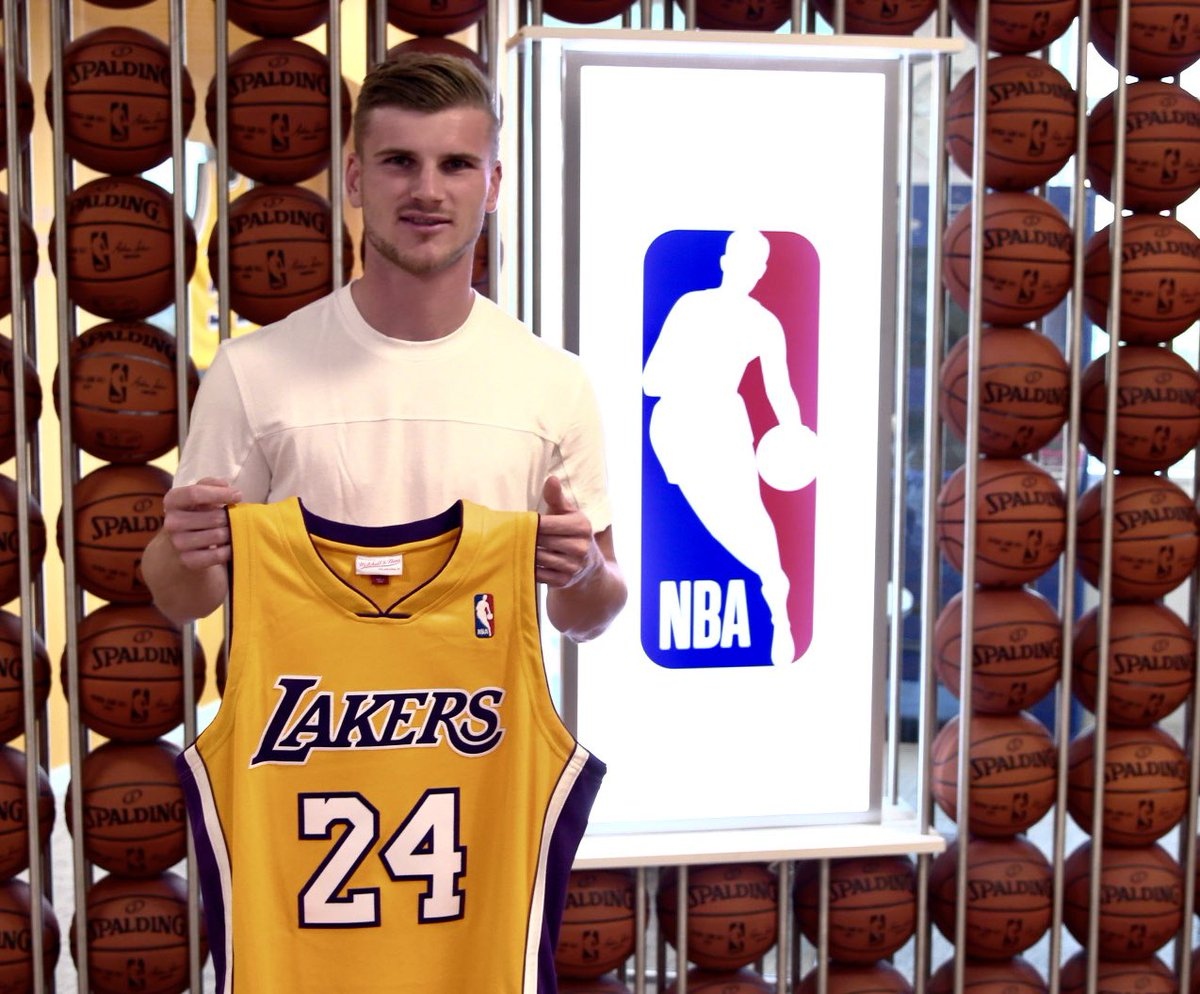 The NBA is back! And I'm going for the @Lakers 🏀💪🏆 @NBA #WholeNewGame @NBA_de