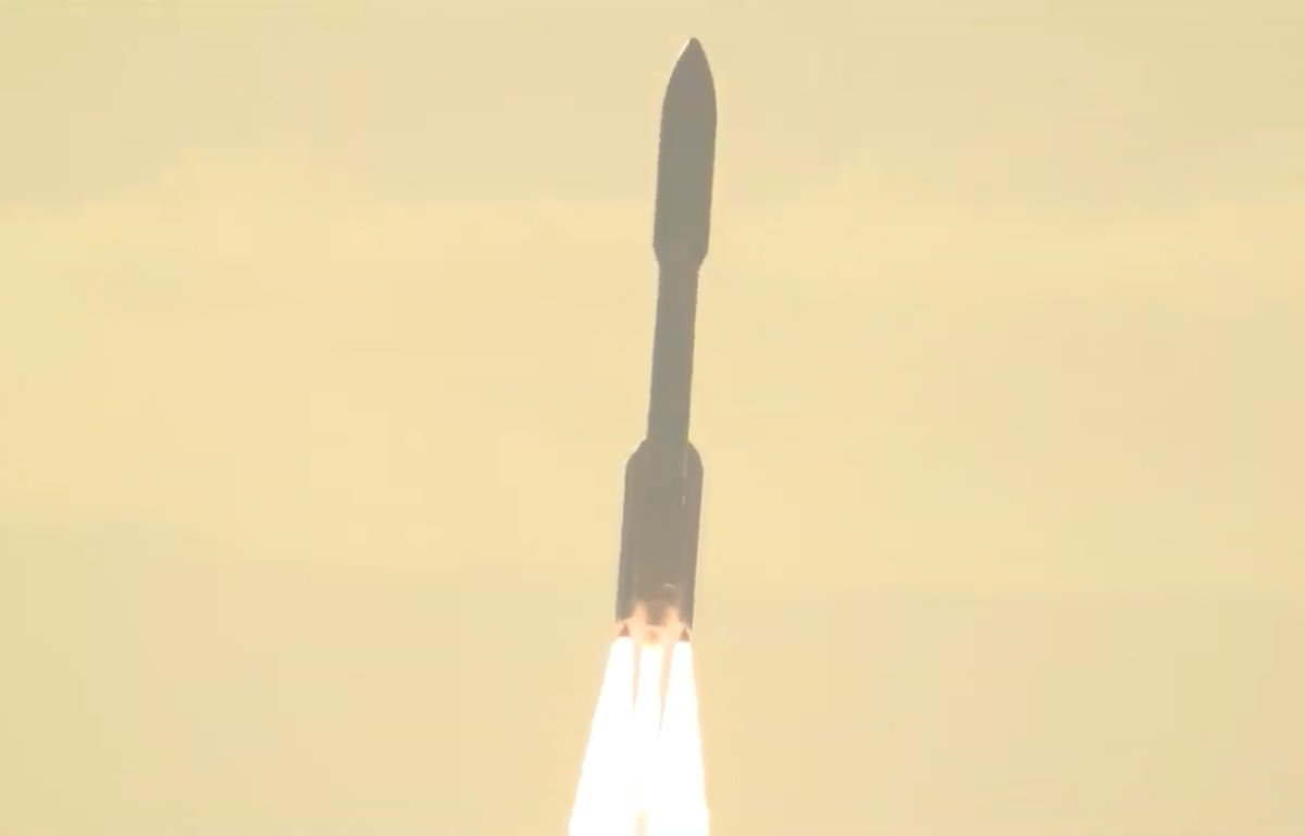 #AtlasV takes aim at Mars with the @NASAPersevere rover! https://t.co/duDNvHGoCv