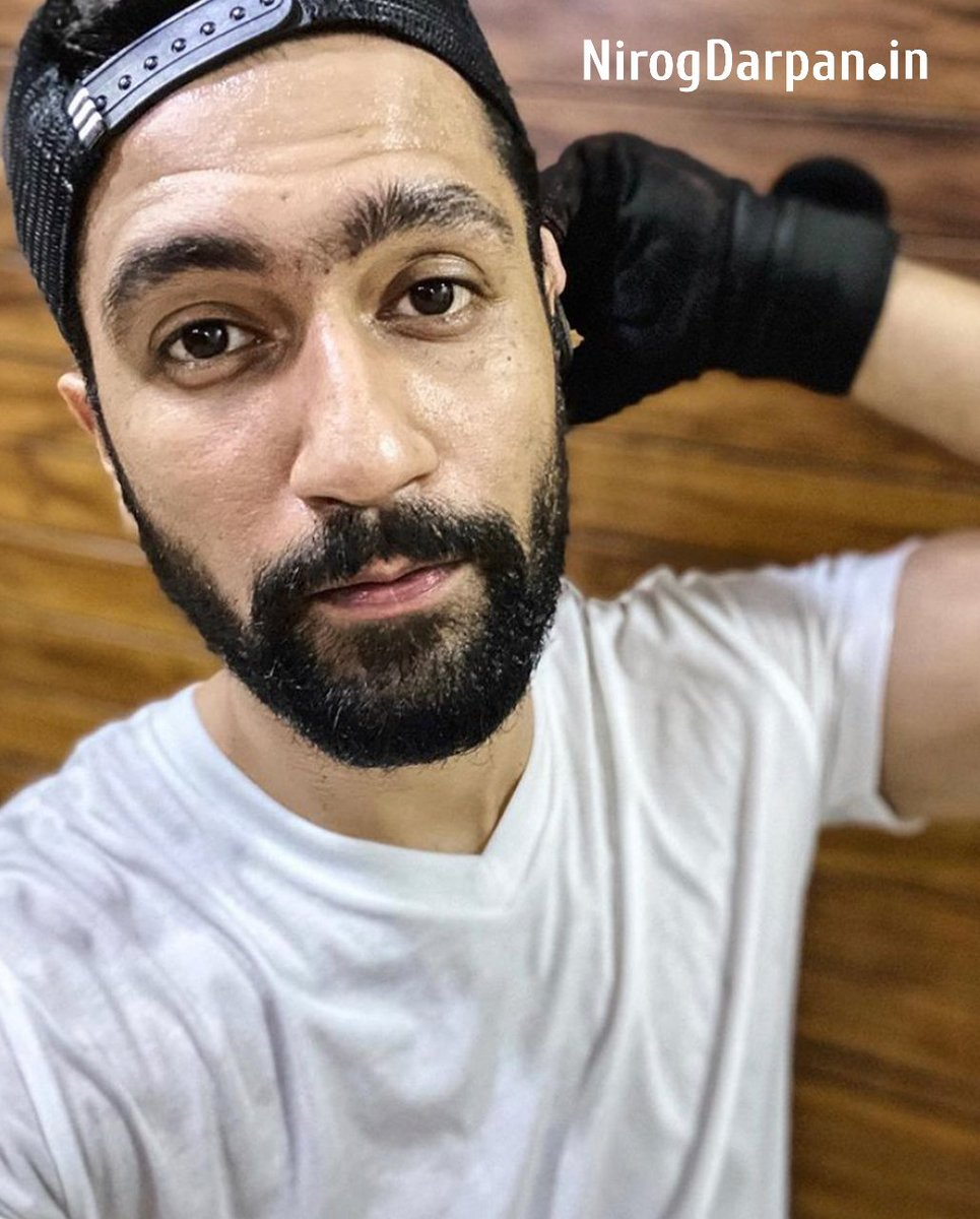 Wake Up, Work Out, Look Hot And Kick Ass @vickykaushal09 .  #Vickyakaushal #Lookgoodfeelgood #Feeltheburn #Nopainnogain #Cardio #Fitfam #Fitlife #Trainhard #Noexcuses #Bollywood #Bollywoodactress #Bollywoodactor #Celebritypic.twitter.com/DmpZZNg91x