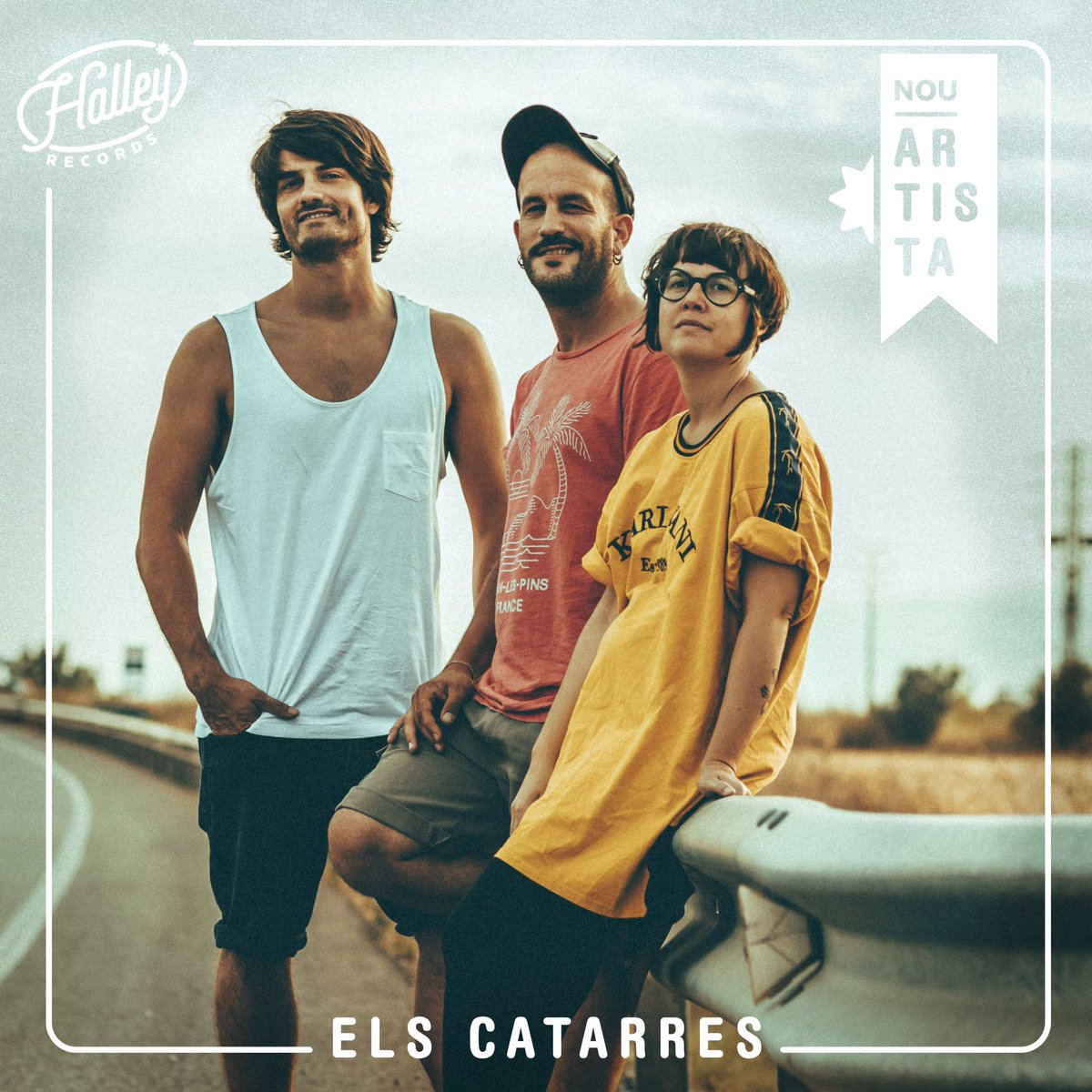 ⭐️Ens fa una il•lusió enorme donar la benvinguda a la família Halley Records als nostres estimats i adorats @elscatarres !  A partir d'ara, començarem a caminar plegats amb la banda responsable del ressorgiment de la música catalana actual. Quin orgull!