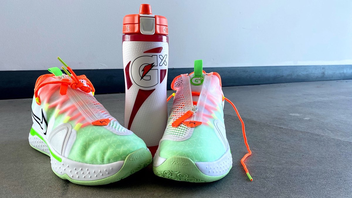 My new PG4 x Gatorade kicks are 🔥! But the fits not finished without a personalized Gatorade Gx bottle. Head to https://t.co/u9YoCaptv3 and customize yours! https://t.co/SfKRuZGCU6
