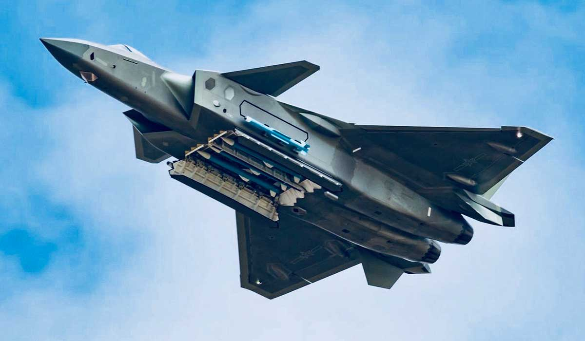 """Guarding India on Twitter: """"Chinese J-20 vs US F-22 and F-35 in Stealth War #China #USA #Europe #NATO #fighterjets #5thGeneration #F22 #F35 #j20 Read More : https://t.co/W1bdt5NeCw… https://t.co/Xhm88nurEz"""""""