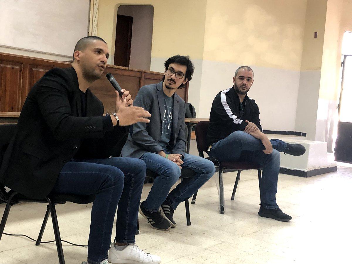 Un petit retour à ce magnifique panel que j'ai animé l'année dernière à l'ESI, ma chère école !  Avec @khaleddrareni et @samirbellik on a parlé des Fake News et leurs danger sur notre vie. Khaled passera ce Aid en prison, ne l'oublions pas... #algerie #alger https://t.co/Iluvjr3l3G