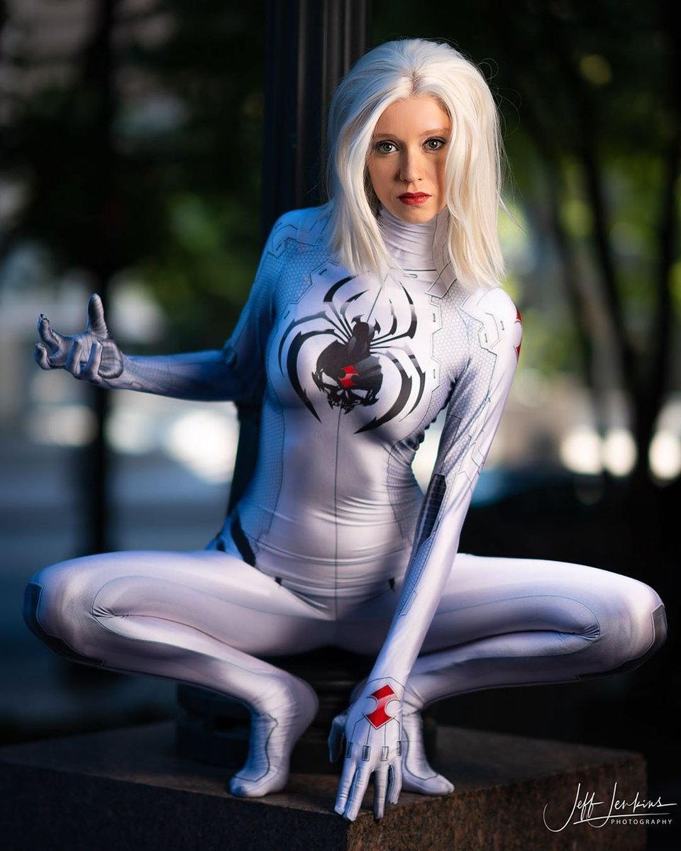 WHITE WIDOW!  Cosplay by the amazing   @kristiluwh0  Photo by @jeffjenkinsphotography  #whitewidow #cosplayer #cosplayphotography #whitewidowcosplay #dragonconcosplaypic.twitter.com/AmVIUnIcq5