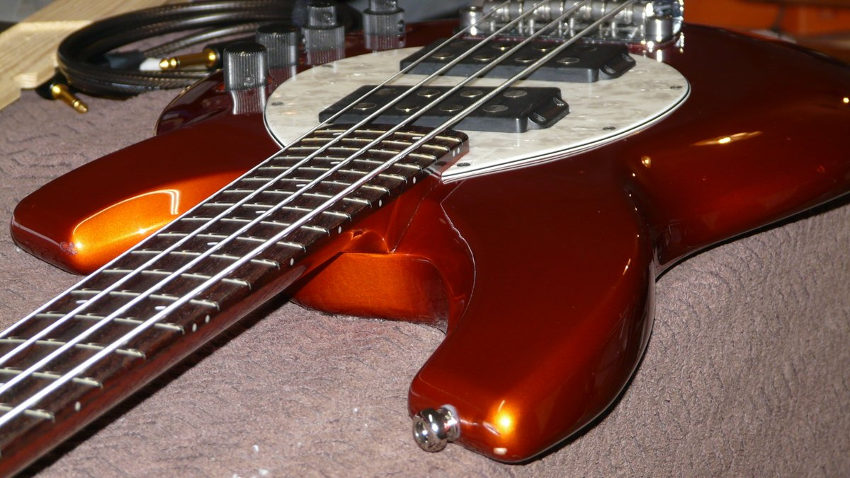 A pretty cool Bongo #Bass by #Music Man. This was brought to us for a setup and some #fretwork. Love to work on such a groovy instrument.pic.twitter.com/lKZvu4KC4E