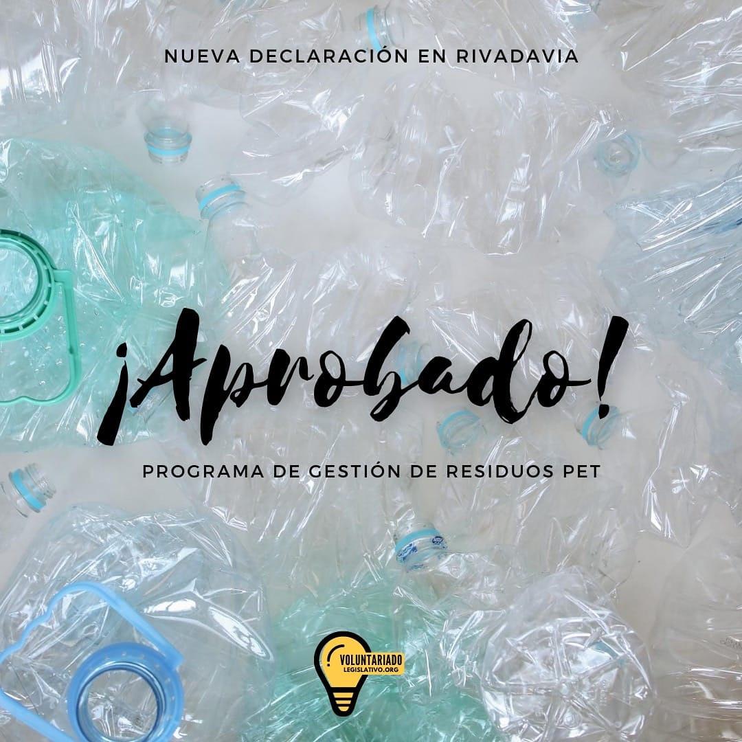 ♻️ El @HcdRivMza aprobó una Declaración que posibilitaría disminuir la cantidad de residuos PET derivados a los rellenos sanitarios.  La propuesta fue elaborada en el #VoluntariadoLegislativo, edición 2019 🙋🏽♀️🙋🙋♂️  Conocé más 👉🏽 https://t.co/n47KOCH6Lk https://t.co/gzaf2e1NyB