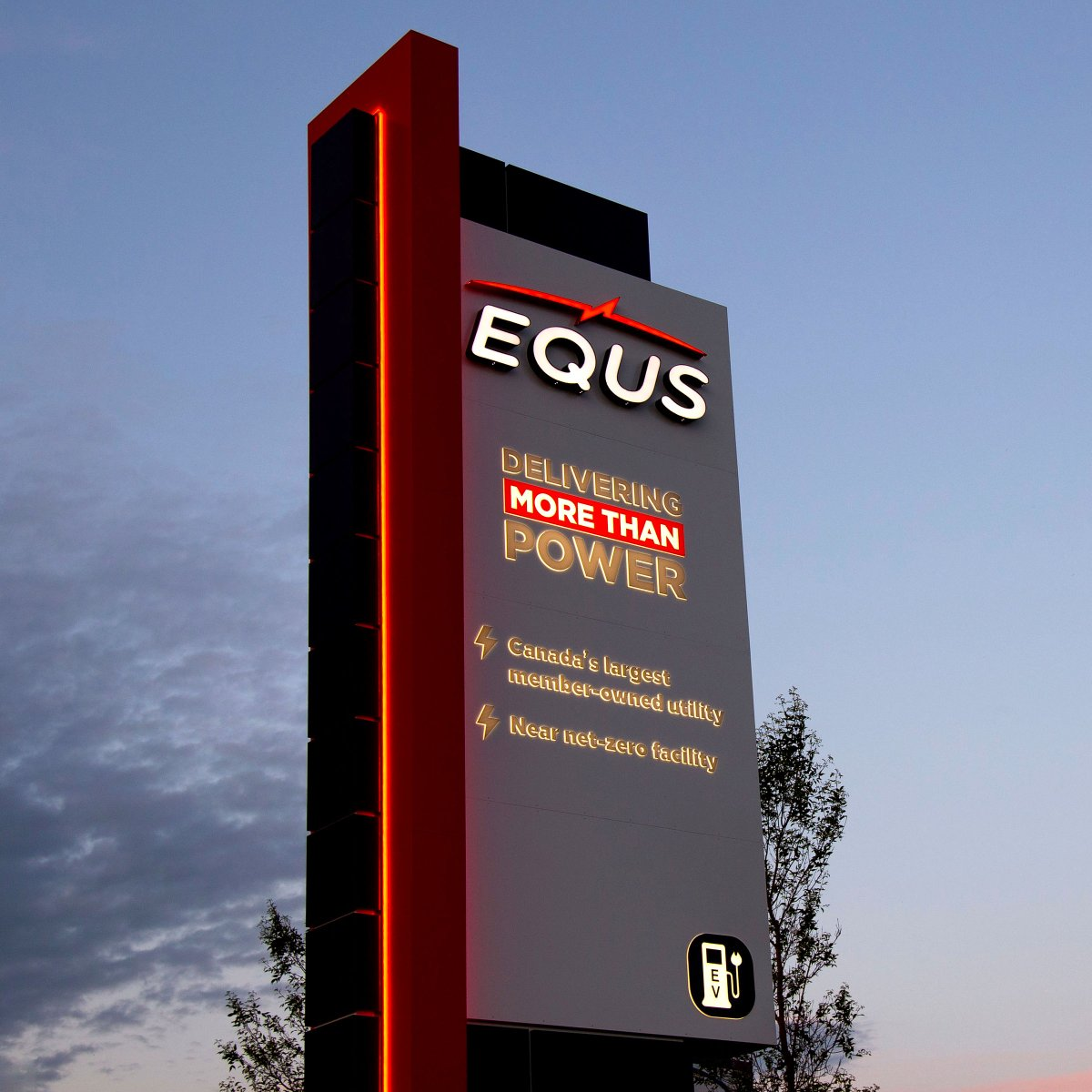 Our latest freestanding sign for Equs was designed to mimic the look of the building. The core of the sign is fabricated with intentional reveals, a cabinet sign with channel letters and push-throughs, and an LED rope lighting detail.  #FreestandingSign #PylonSign #Innisfailpic.twitter.com/m2CGkOgi7k