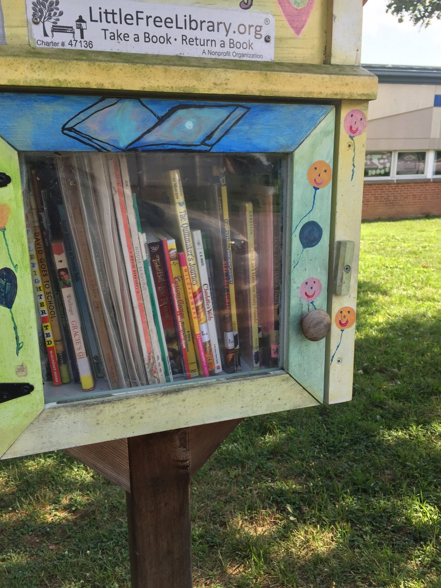 The little library in front of <a target='_blank' href='http://twitter.com/OakridgeConnect'>@OakridgeConnect</a> is re-stocked! Stop by and pick up a book for some mid-summer reading! <a target='_blank' href='https://t.co/YLEldVpkBO'>https://t.co/YLEldVpkBO</a>
