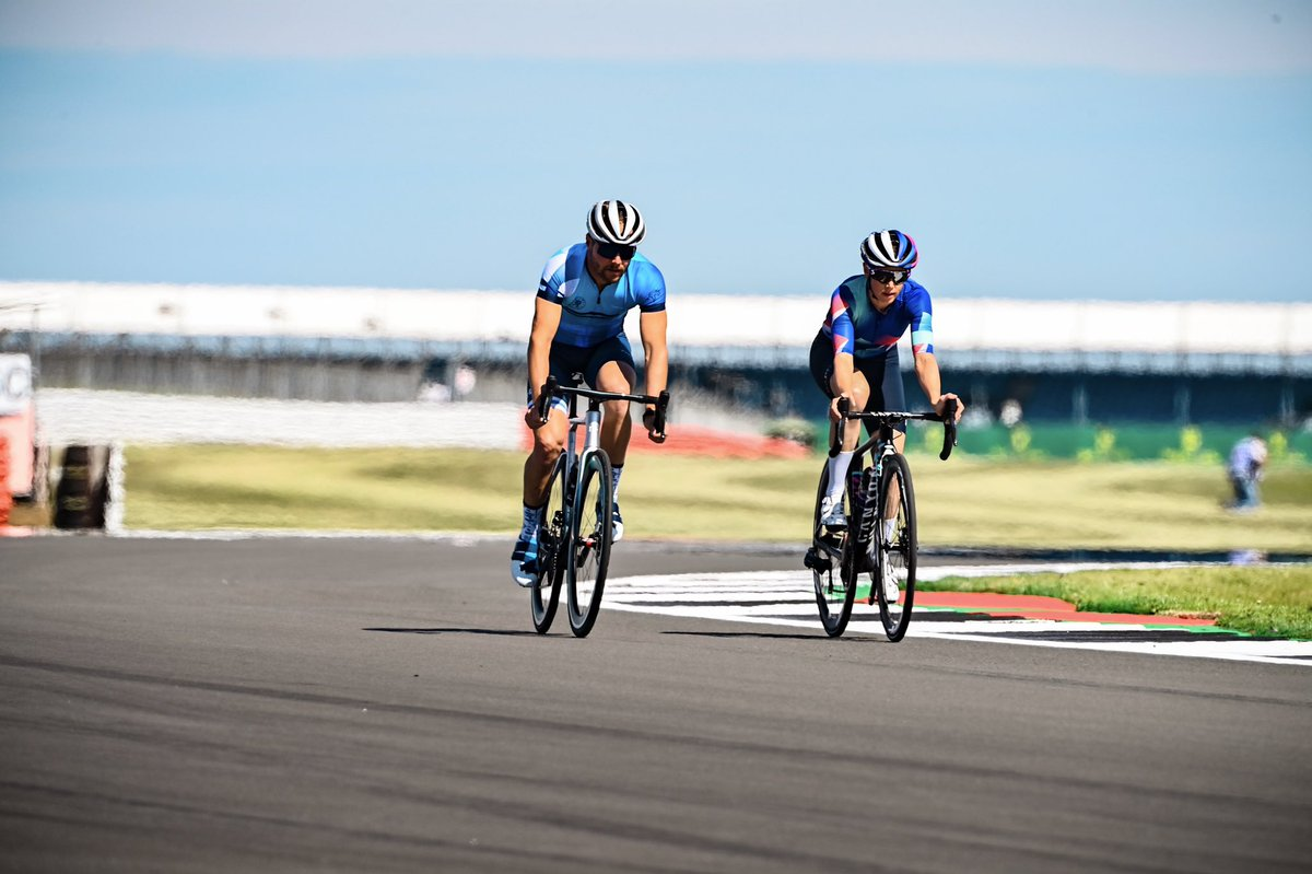 Reconnaissance laps ✔️  Ready and can't wait to drive the @MercedesAMGF1 #W11 around Silverstone!  #VB77 #F1 #BritishGP #nplusbikes 📸 @F1Sutton https://t.co/j3j7IYp3cq