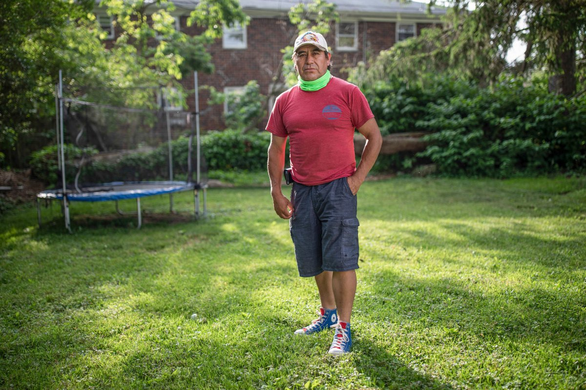 Mario Rodriguez, a farmer from Mexico, is an #undocumented day laborer in Freehold, NJ. Part of @VIIPhoto America, Again | Chapter 5: American Myths. Check out the #viiphoto series here, guest curated & edited by Joshua Rasaad McFadden: bit.ly/2Di5pjr #americandream