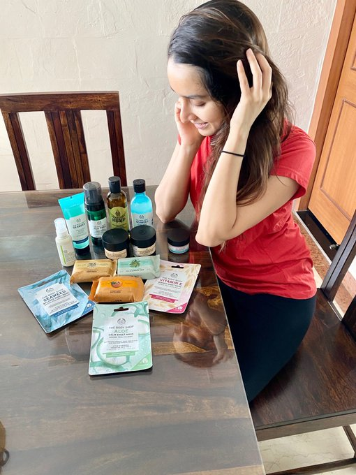 2 pic. My goodies have arrived!🙃  The Body Shop is now home delivering their goodness across India! Even