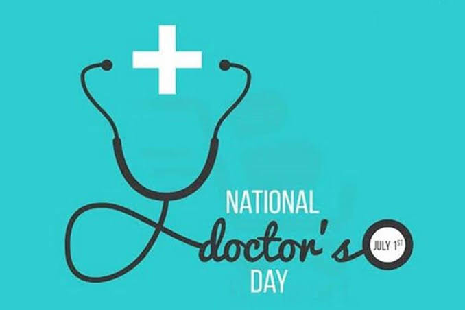 Thanking all the doctors for doing their job in fighting this pandemic time. Hope this pandemic time ends and we will come into normal living. Happy #DoctorsDay To all the Fighter's #stayhomestaysafe #SavioursDay https://t.co/wLOIrRAwF2