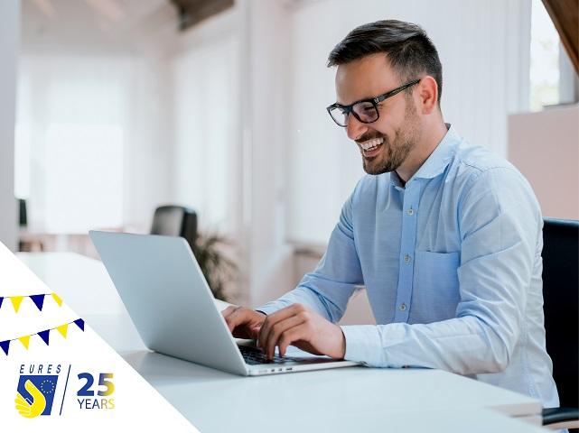Знаете ли, че 🇪🇺EURES предлага мрежа от 👥съветници, които могат да предоставят информация, 🗣консултиране и подкрепа на търсещите работа и работодателите посредством личен контакт?  Те са подготвени специалисти с експертни познания.Повече за тях👉👉👉https://t.co/lH8YAVPXMI. https://t.co/yEyUZtoz3F