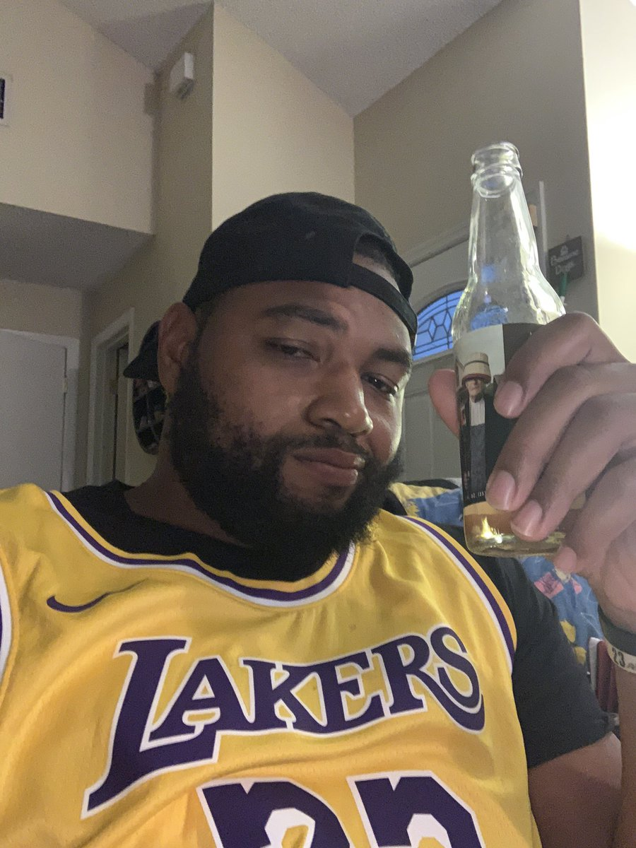 Lakers in Fo. Cheers fam #NBARestart #LakersNation pic.twitter.com/GIk6HDrl3M