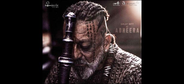 Bollywood celebs are all praises for @duttsanjay 's look as #Adheera https://bit.ly/2XfLoAW  #AdheeraFirstLook #Bollywoodcelebs #upcomingmovie #picture #image #style #killerlook #bollywood #latest #news #downloads #santabantapic.twitter.com/qzRjZSFJJw