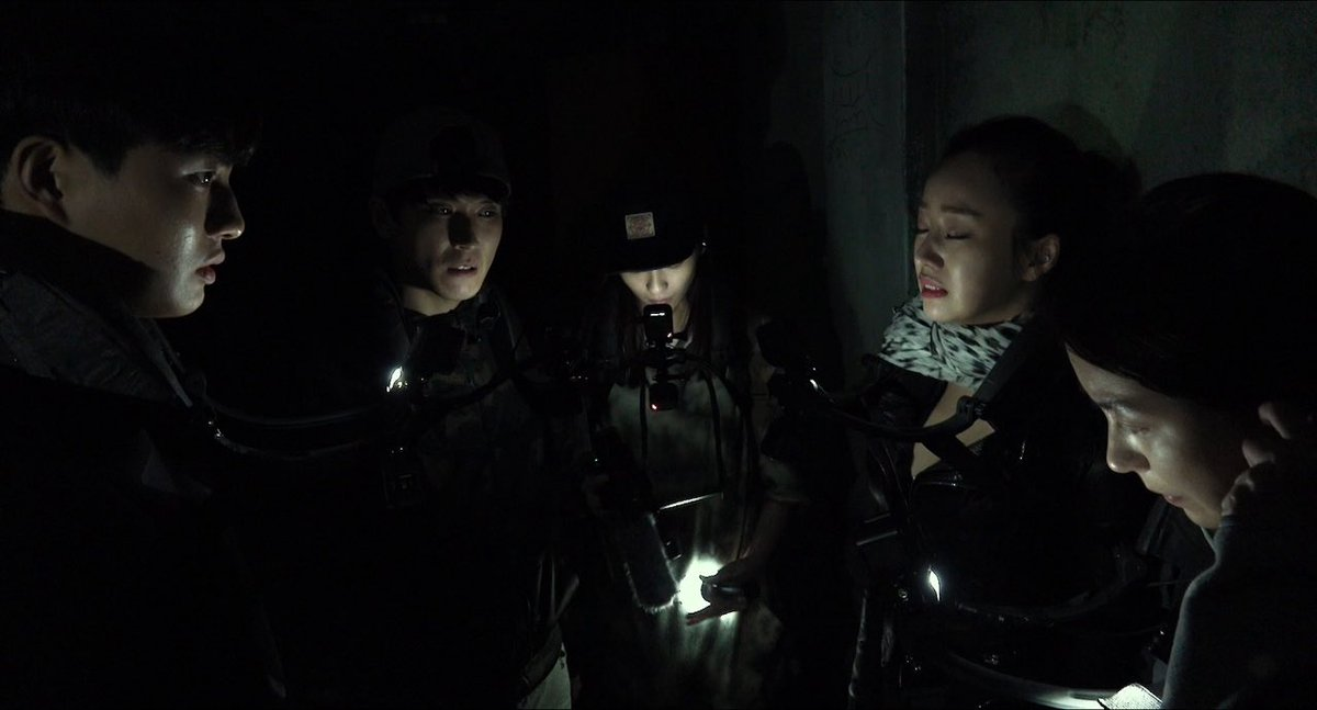 #NowWatching Jeong Beom-sik's GONJIAM: HAUNTED ASYLUM. After watching so much ghostly J-Horror this month I keep thinking about how much fun I had with this found footage horror from South Korea a couple of years ago. Effective, stylish & clever! It's a blast! #SouthKorea #Horror pic.twitter.com/zgTCImKu07