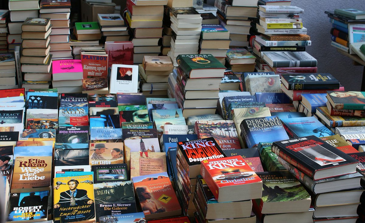 Join the #bookclub: Add your #book link to the #bookshelf below and we'll create our own online #bookstore for the #readingcommunity. You can #bookshop for your favorite #books, check out #booksforsale, and even leave a #bookreview. #WritingCommunity #writerscommunity #library