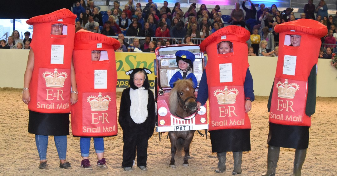 It's the last day of the month so Fancy Dress Friday is back!   Don't forget to share your favourite fancy dress photos.   #fancydressfriday #equifest #equifest2020 #equestrian #equestrianlife #horses #pony #horseshow #horsesofinstagram https://t.co/Hu2psbpxAV