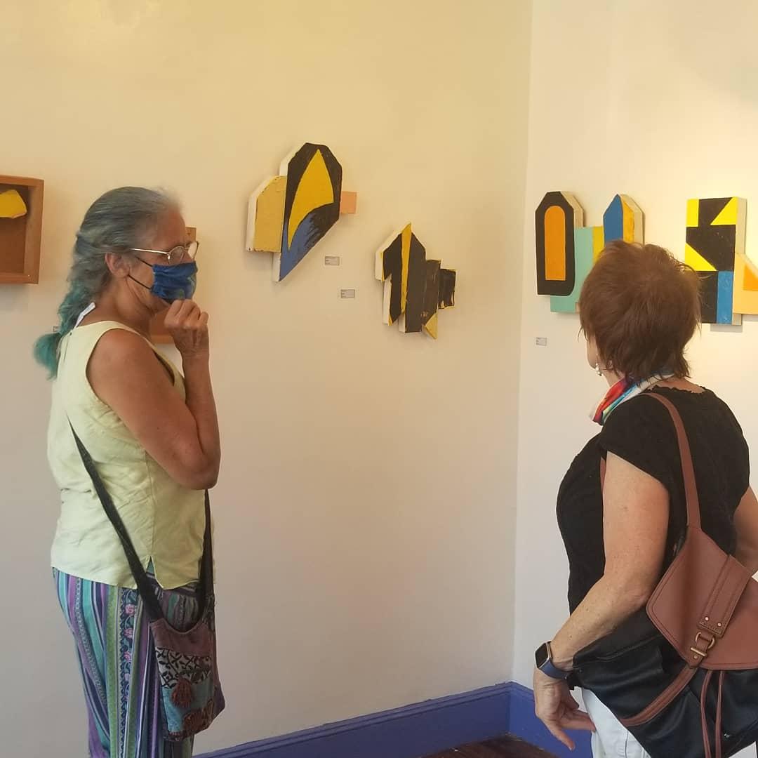 Come visit and see this wonderful show.  Marc Salz at Boston Street Gallery, open from 12-6pm today.  #gallery #artexhibitions #philaartists #philaarts #artists #contemporaryart #contemporaryartists #supportthearts #philadelphia #buyart #artbuyers  #artcollecting #artcollectorspic.twitter.com/4uJIxTpKdE