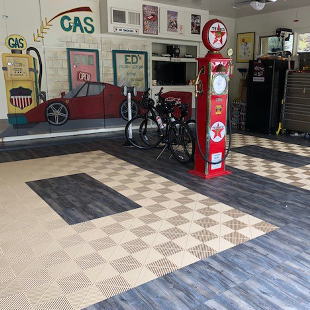Don't forget you can always mix-n-match different styles and tiles from our Pro line. . . . #Swisstrax #ModularFloor #GarageGoals #MixNMatch #Ribtrax #MochaJava #Vinyltrax #ReclaimedPine https://t.co/0CyFavI12R